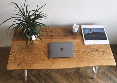 Spisovatelův stůl