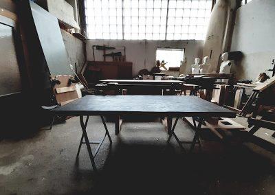 Dubový stůl tmavý